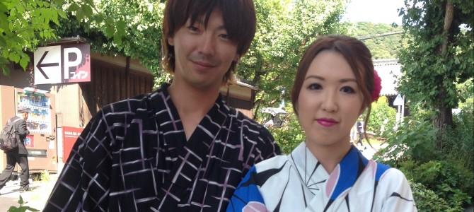 浴衣レンタル+ヘアメイクで華やかにカップルで京都散策へ