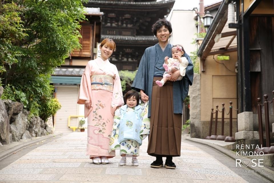 写真:リピーター様!京都・八坂庚申堂で七五三ご家族様ロケーション撮影