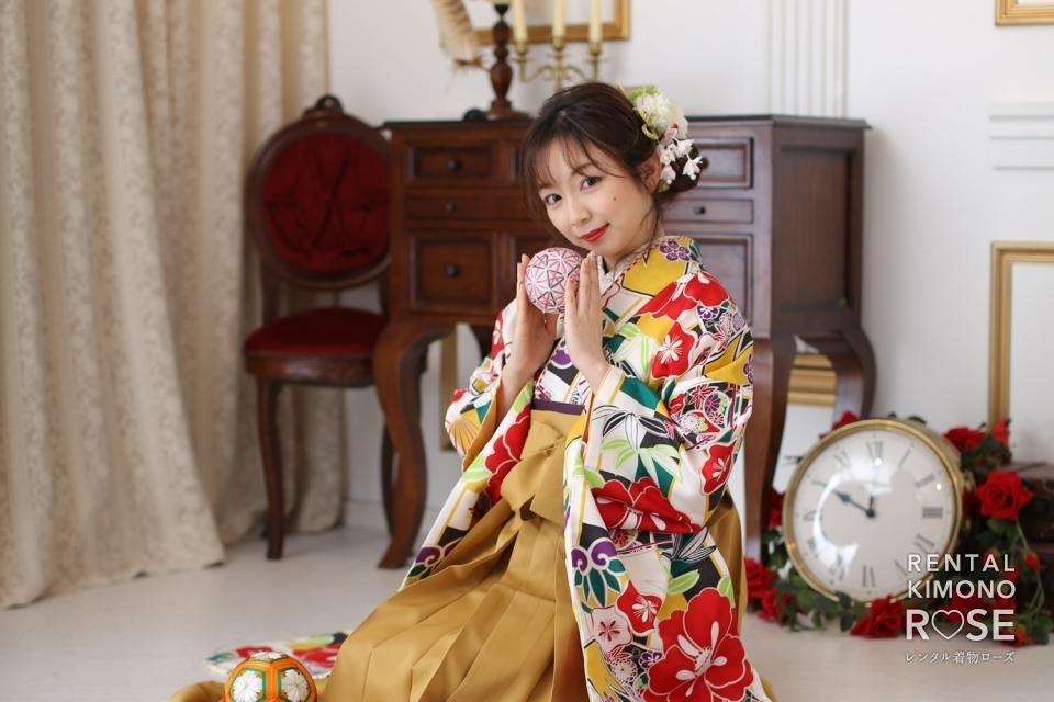 写真:卒業記念・前撮りに二尺袖袴で卒業袴レンタルスタジオ撮影