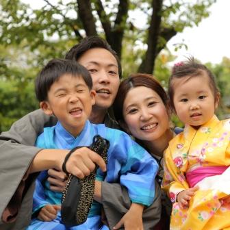 写真:九州から元気なお子さんとご家族の京都東山旅