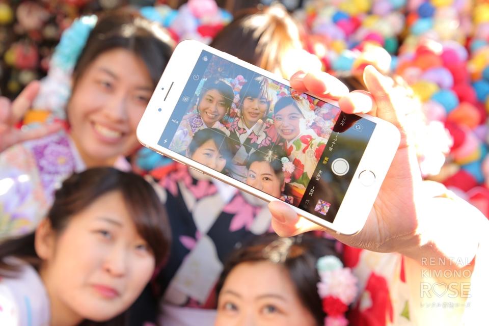 写真:仲良し女子5人の卒業旅行ロケ撮
