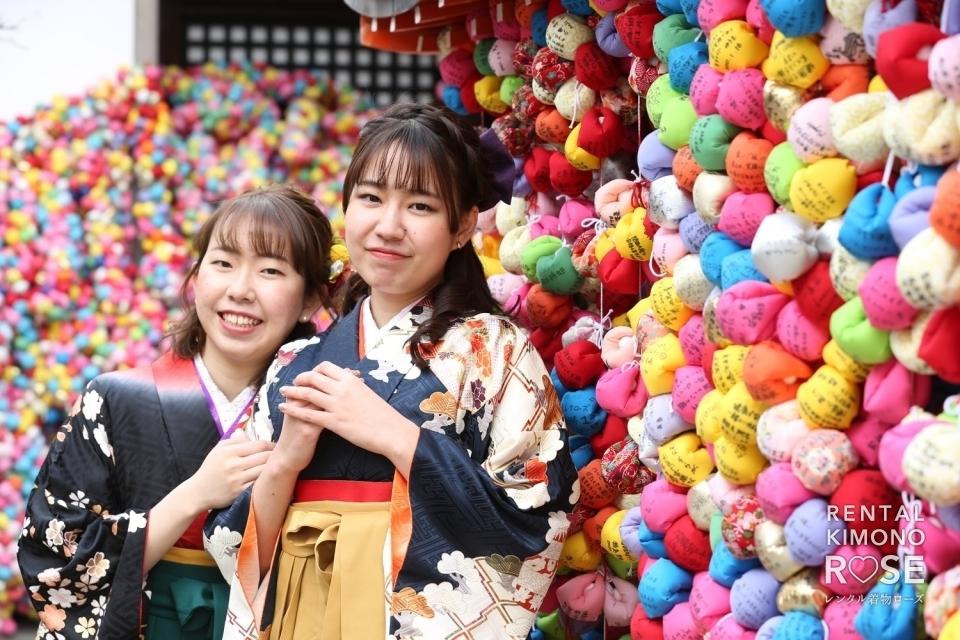 写真:卒業記念にお友達と振袖袴レンタル+持ち込みロケ撮影