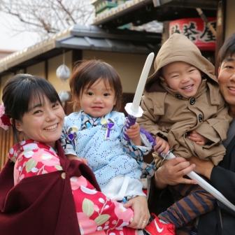 写真:海外から可愛い息子さんと京都家族旅行ロケ撮影