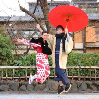 写真:祇園白川で素敵な学生カップルさんが着物ロケ撮影