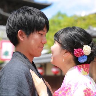 写真:仲良しカップルさま!浴衣で快晴の京都旅行ロケ撮影