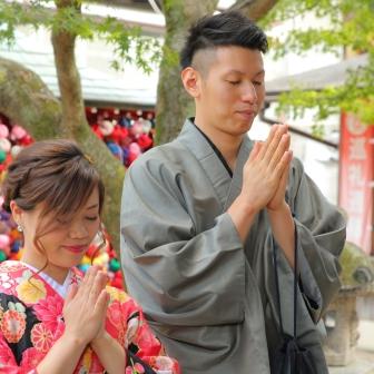 写真:素敵なご夫婦と艶やかな着物姿で京都ロケ撮影