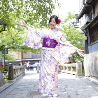 写真:花魁ブースでのスタジオ撮影と夏の祇園散策ロケ撮影