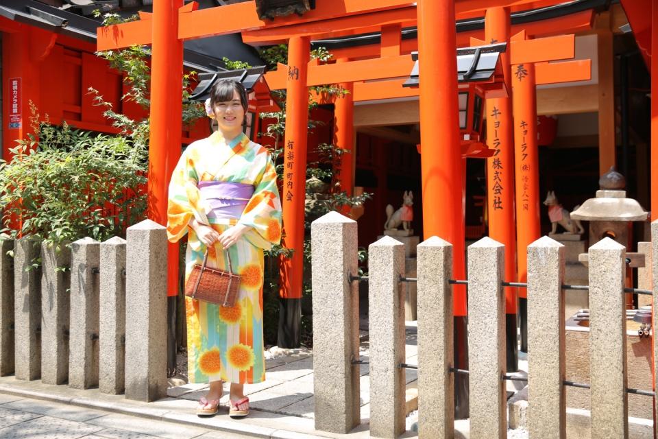 京都・東山の辰巳大明神