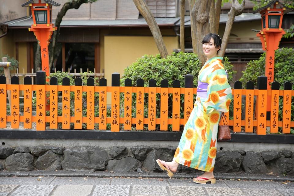 京都・東山の祇園白川