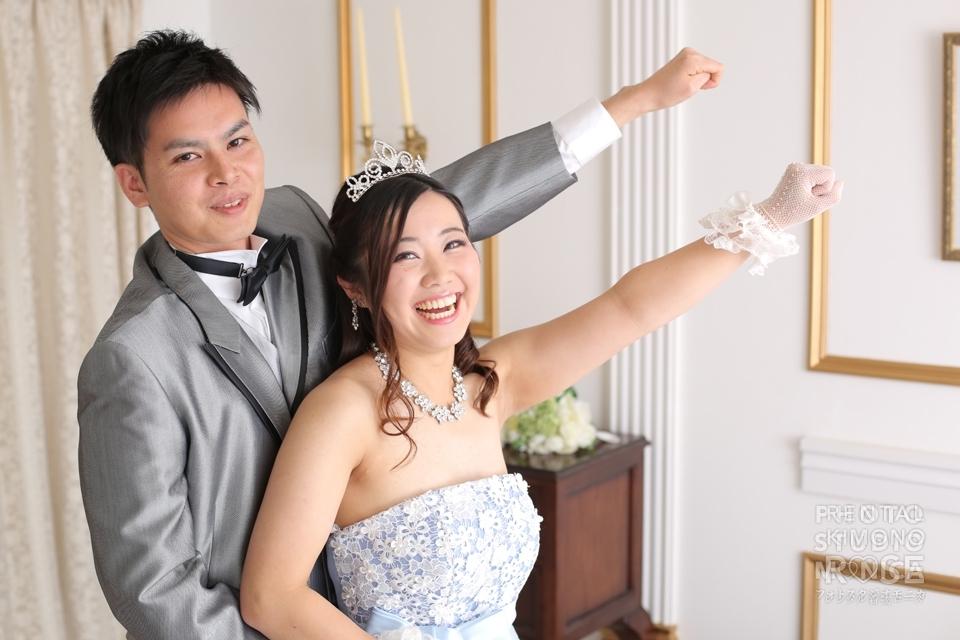 ローズのスタジオで婚礼用ドレス撮影