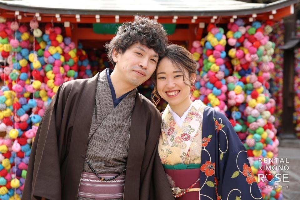 写真:京都・八坂庚申堂やねねの道で新婚様の観光ロケーション撮影