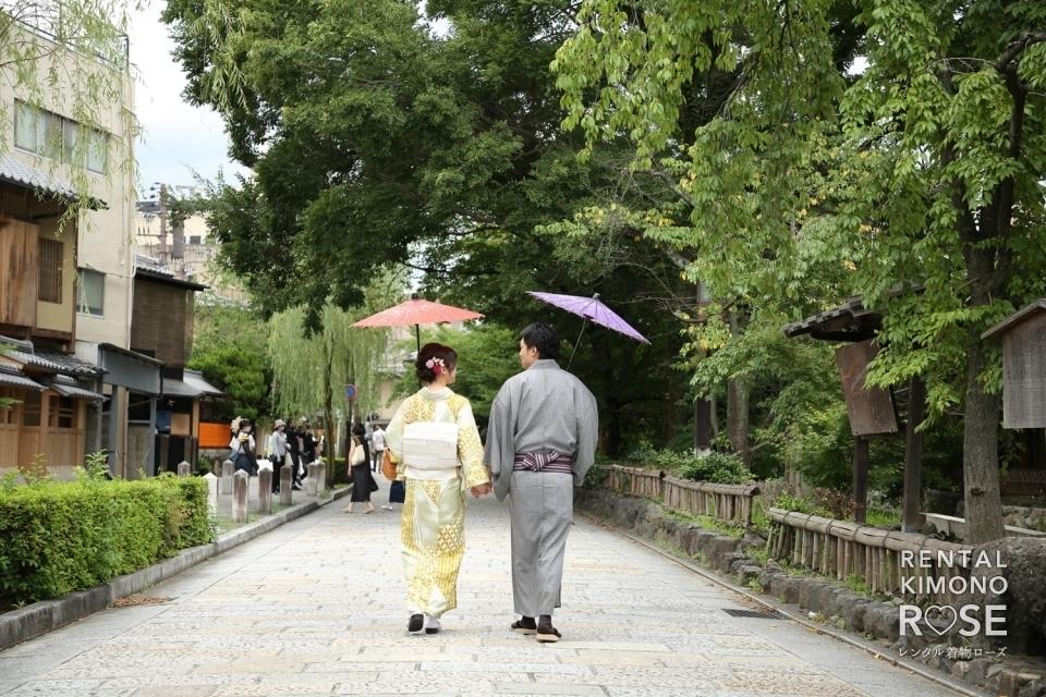 写真:夏の京都・東山エリアと祇園エリア二箇所で新婚様のロケ撮影