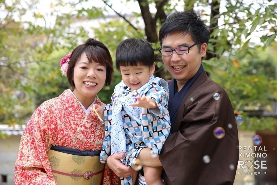 写真:京都・二年坂や高台寺公園でご家族様の観光ロケーション撮影