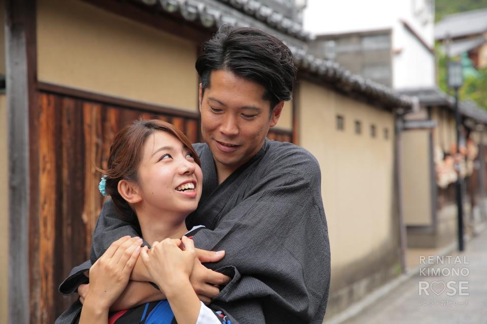 写真:浴衣姿で東山散策!ラブラブなご夫婦とロケ撮影☆