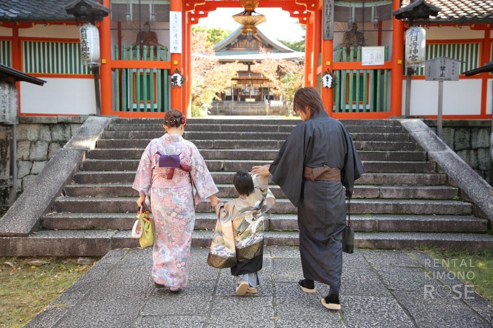 写真:新日吉神宮で七五三ロケーション撮影