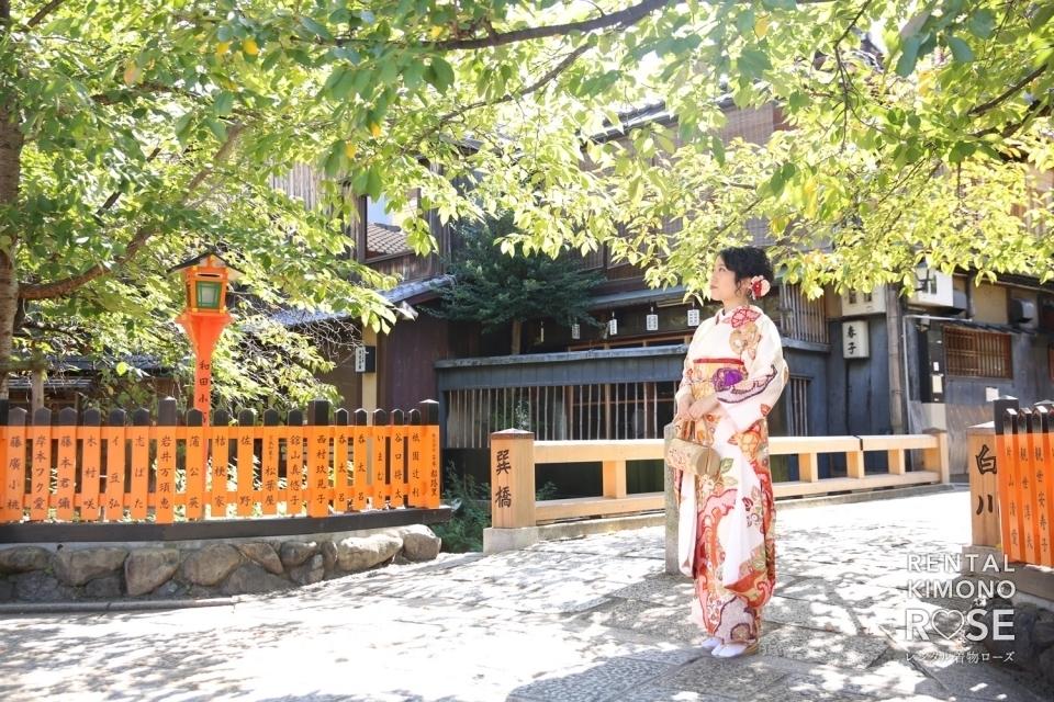 写真:京都・祇園巽橋で成人式振袖レンタルロケーション撮影