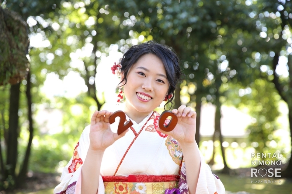 写真:京都・新日吉神宮で成人式振袖レンタルロケーション撮影