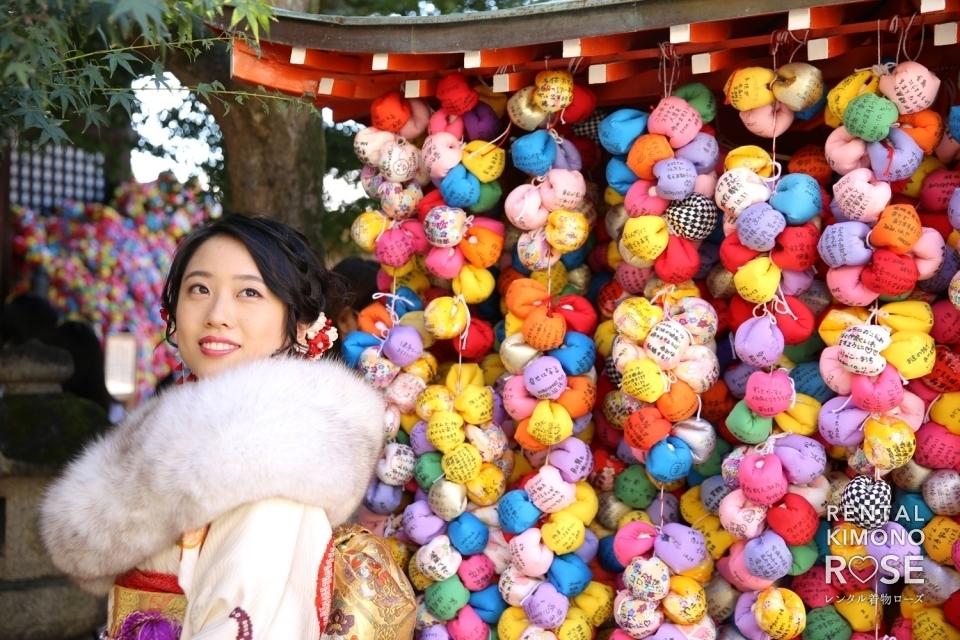 写真:京都・八坂庚申堂など東山名所で成人式振袖レンタルロケーション撮影