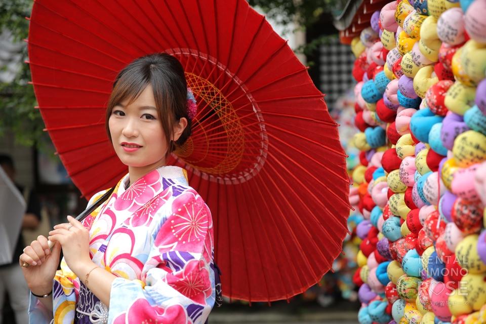 写真:海外からお越しのご家族様と東山ロケ撮影