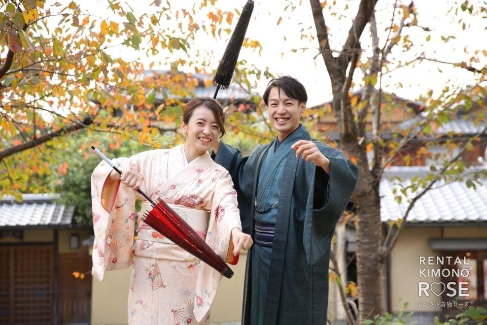 写真:京都・紅葉の二寧坂や高台寺公園で結婚一周年記念ロケ撮影