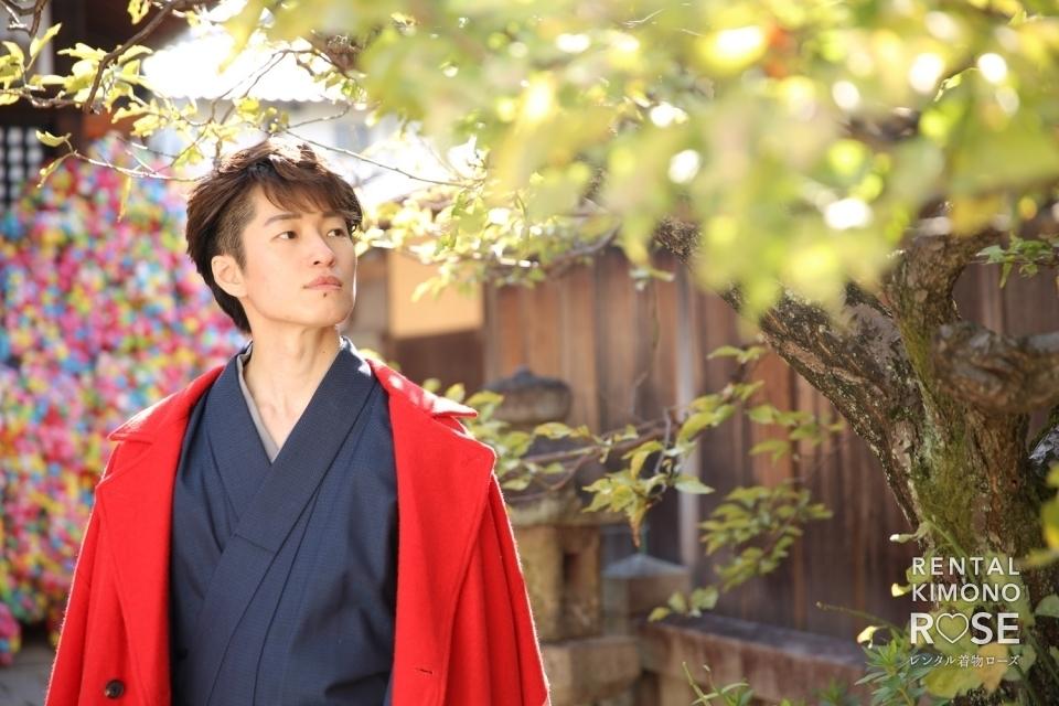 写真:京都・二寧坂や八坂の塔で京都コレクション用男性着物撮影