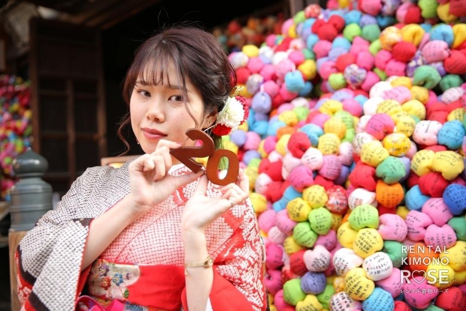 写真:京都・二年坂や八坂庚申堂で成人式振袖持ち込みロケーション撮影