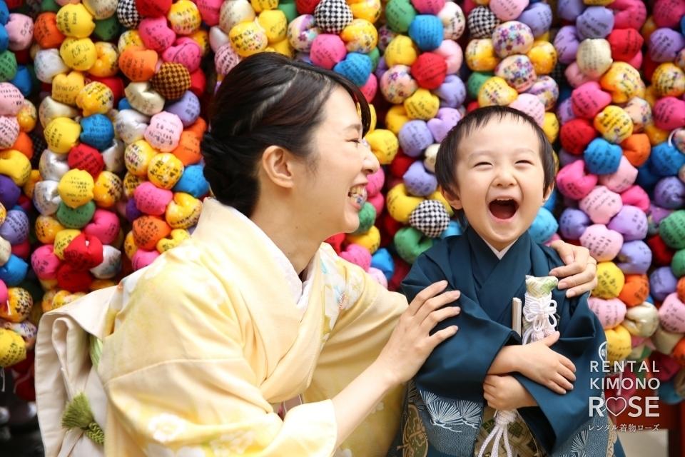 写真:京都・八坂庚申堂で七五三ご家族様ロケーション&スタジオ撮影