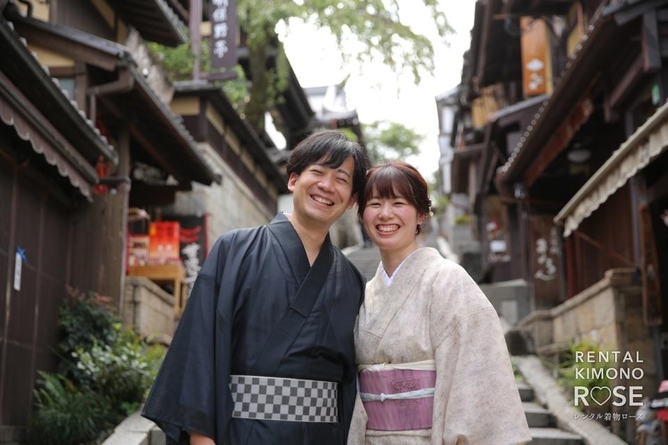 写真:秋の京都・八坂庚申堂や二年坂で新婚様の観光ロケーション撮影