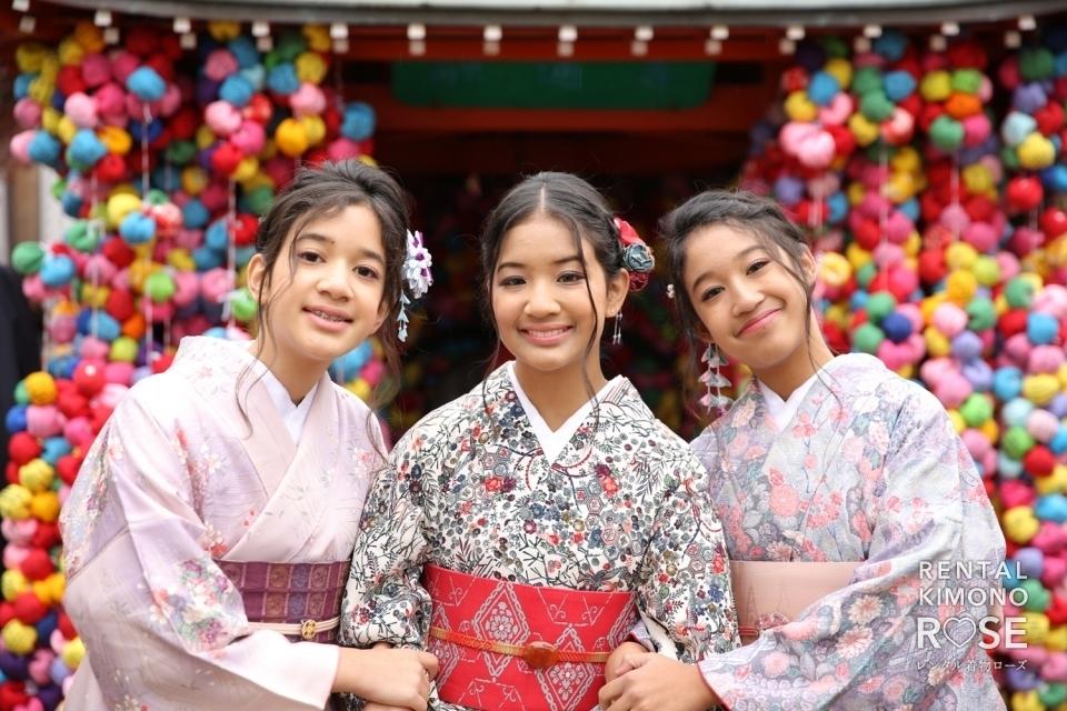 写真:Kimono shoot with three overseas sisters and their family in Kyoto