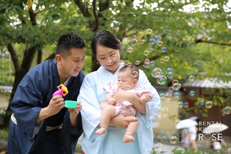 写真:夏の京都・八坂の塔や高台寺公園でご家族様の観光ロケーション撮影