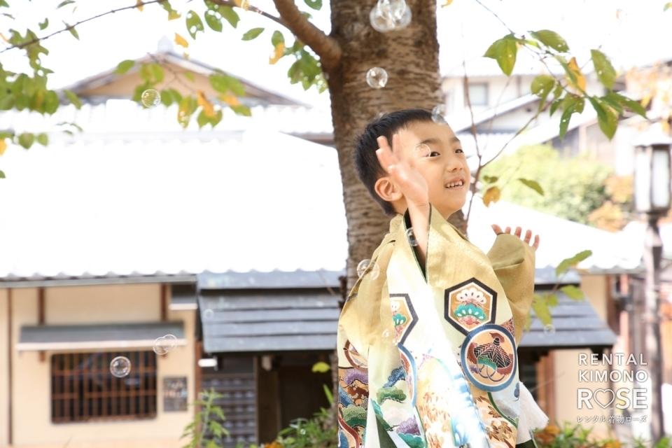 写真:京都・八坂庚申堂や高台寺で兄妹七五三ご家族様ロケ撮影