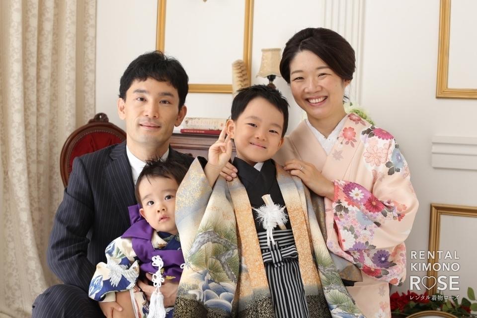 写真:京都・八坂庚申堂とスタジオで七五三ご家族様ロケーション撮影