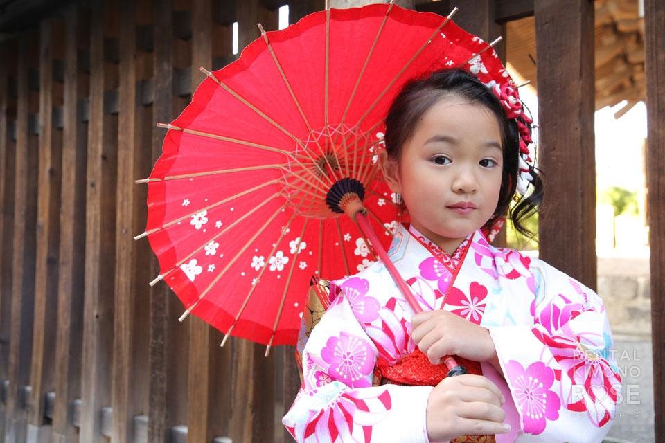 写真:七五三の衣装で観光ロケーション撮影 in 東山