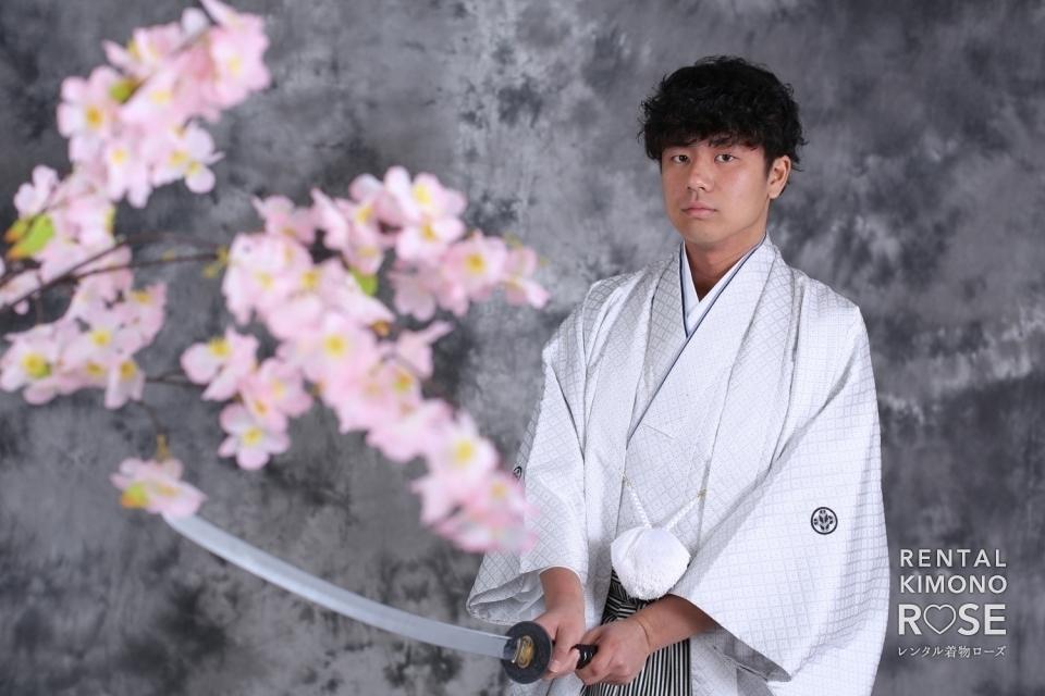 写真:成人式記念・前撮りに白い羽織袴レンタル+スタジオ撮影