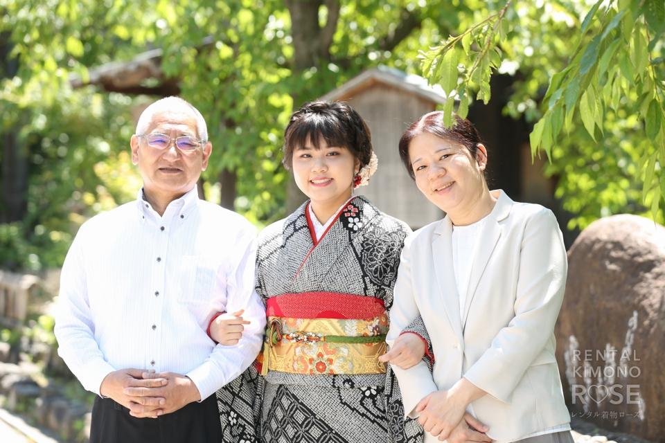 写真:京都・祇園白川で成人式振袖レンタルロケ+スタジオドレス撮影