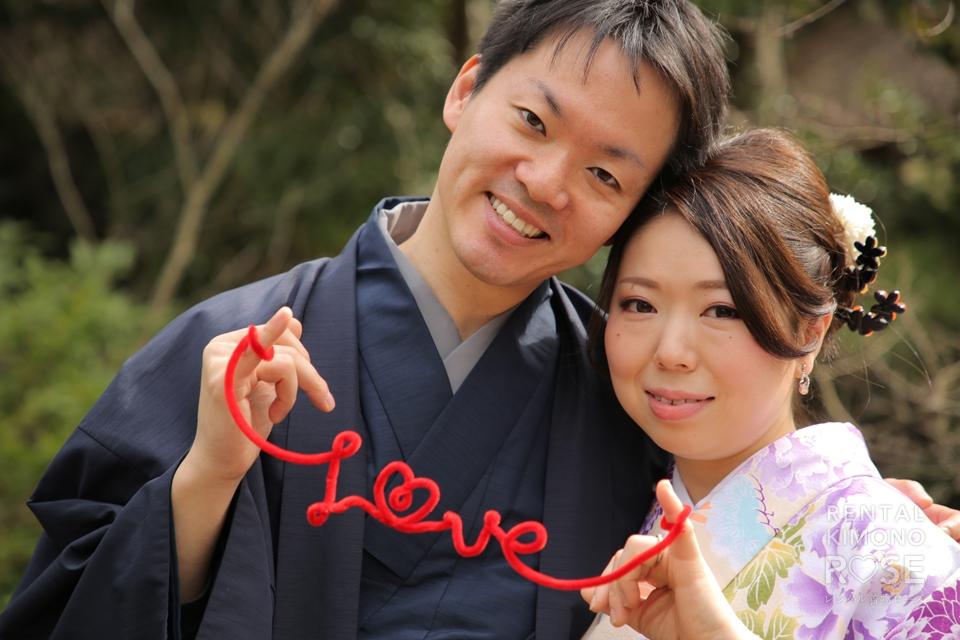 写真:咲き誇る梅と共にしっとり新婚様と大人ロケ撮影