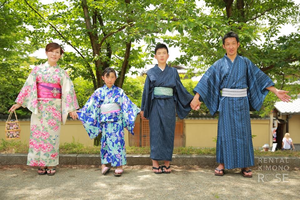 写真:家族みんなで浴衣を着て東山高台寺〜二寧坂を散策