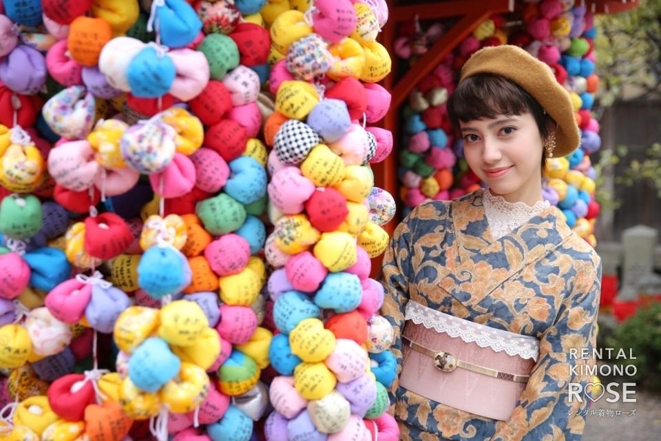 写真:浪漫プランのレンタル着物で八坂庚申堂や京都観光地を散策