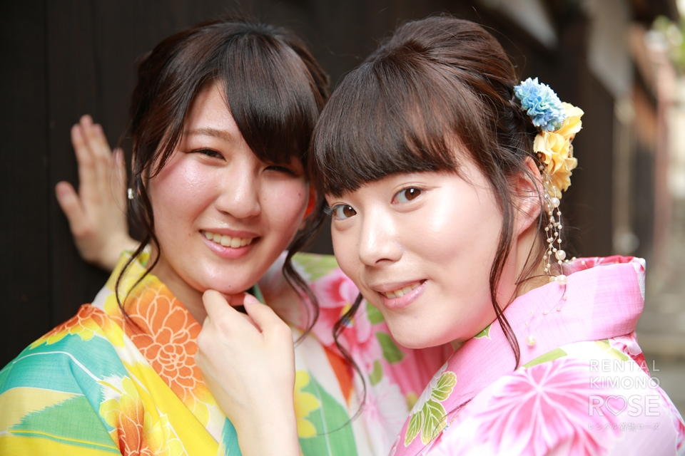 写真:楽しい京都女子旅☆笑顔が溢れる女同士の壁ドン!