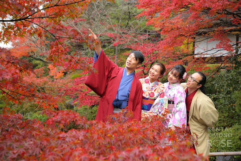 写真:香港からご兄弟夫婦で笑顔いっぱいの記念京都旅行