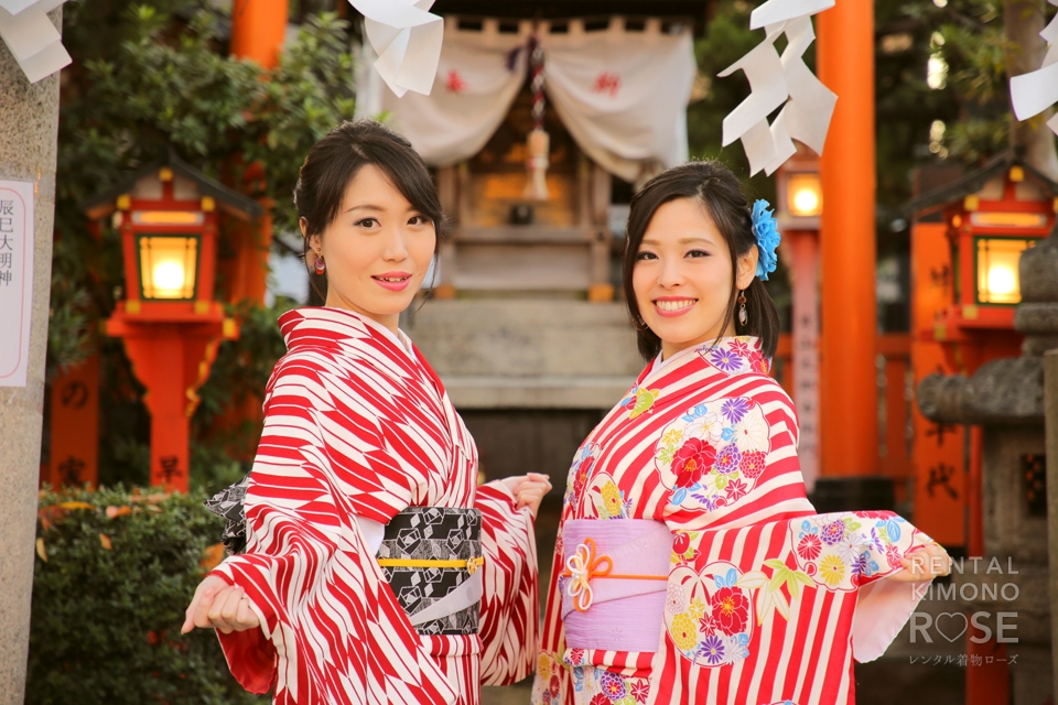 写真:祇園白川で着物美人の女性二人旅をロケ撮影