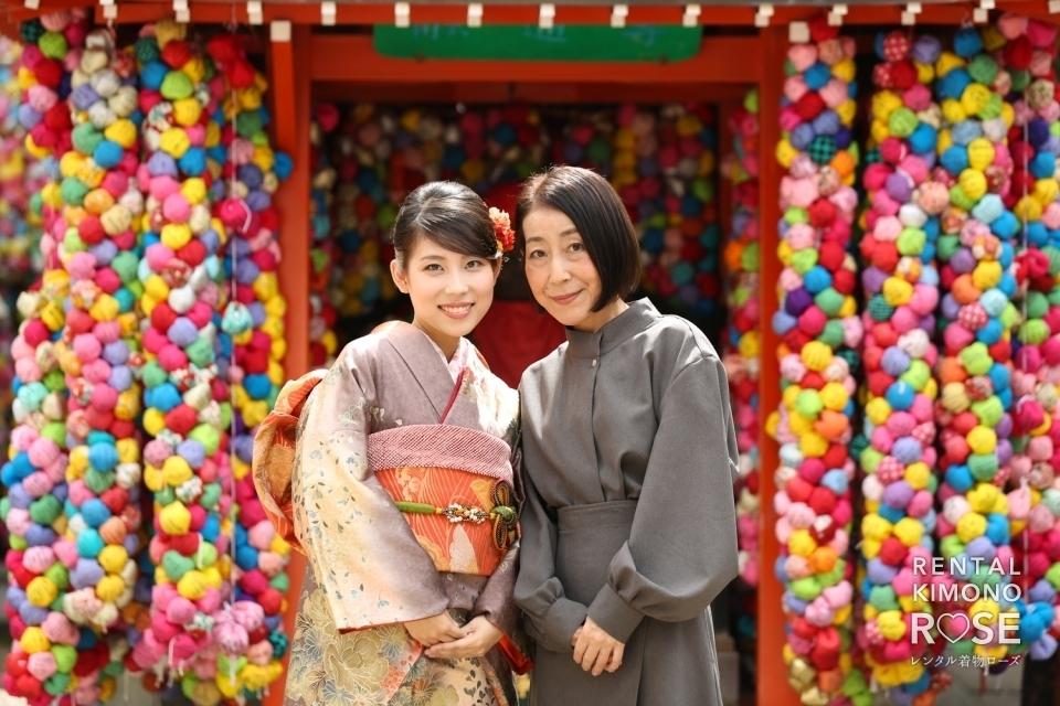 写真:京都・八坂庚申堂にてお持ち込みの振袖で成人式前撮り撮影