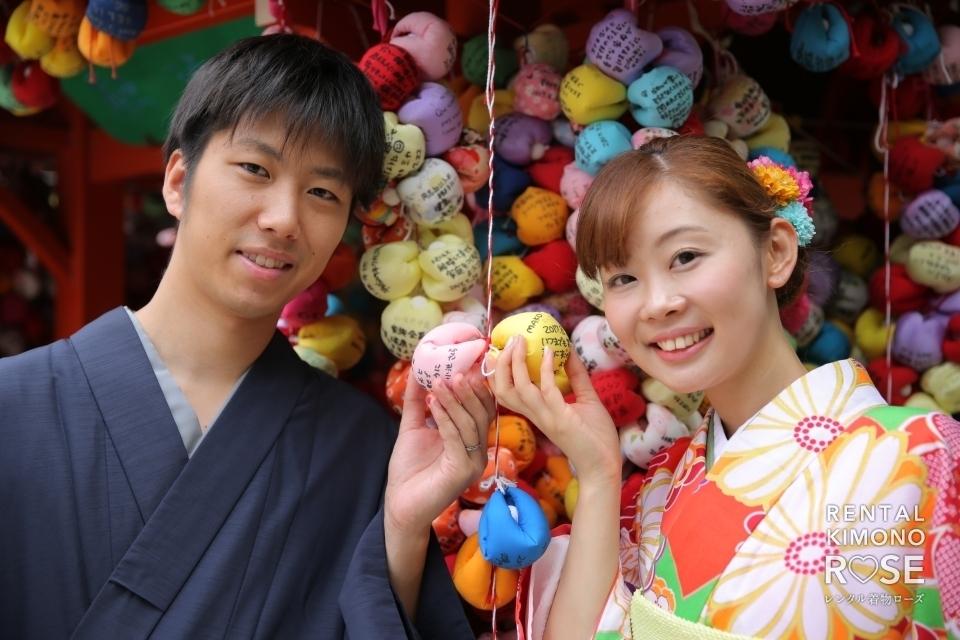 写真:上品で華やかに袴と振袖で京都・東山観光地ロケ撮影