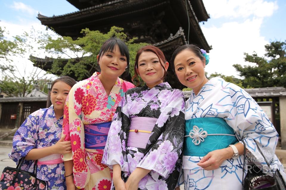 写真:香港からお越しのご家族様☆浴衣姿の京都観光撮影