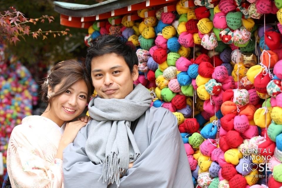 写真:冬の京都・八坂庚申堂や法観寺でカップル様の観光ロケ撮影