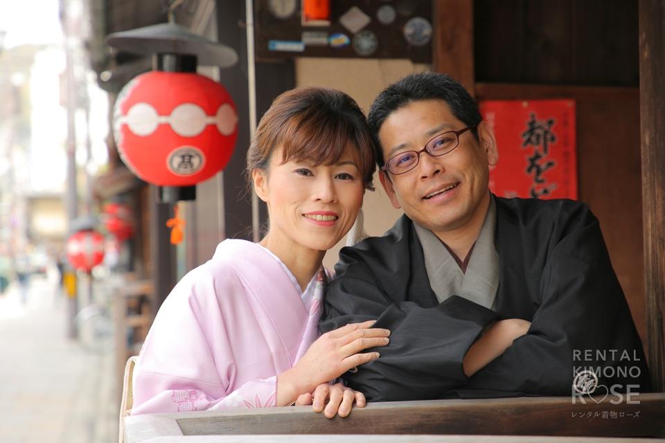 写真:訪問着と袴で少しフォーマルな祇園デートロケ撮影