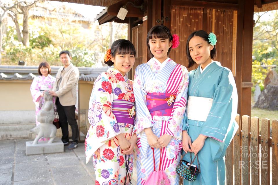 写真:春の東山で着物三姉妹とロケ撮☆