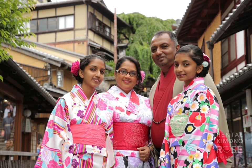 写真:海外からのご家族と楽しく東山ロケ撮☆