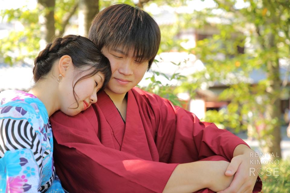写真:八坂庚申堂でラブラブ祈願!京都東山デートを撮影