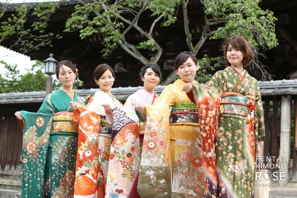写真:京都・東山で結婚式出席用振袖着付け+レンタルの方を撮影